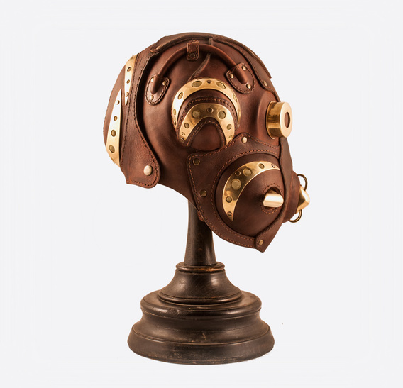 Bergey 76 art leather gas mask