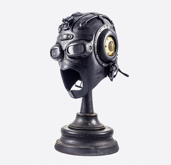 Deep Water Art Leather Gas Mask