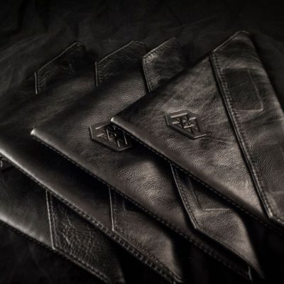 TRIANGLE WALLET